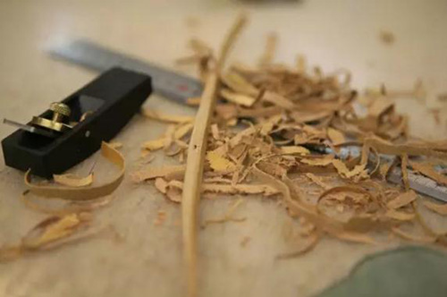 Handle cutting